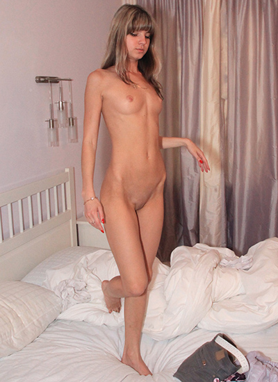 Skinny Riussian girls on webcam